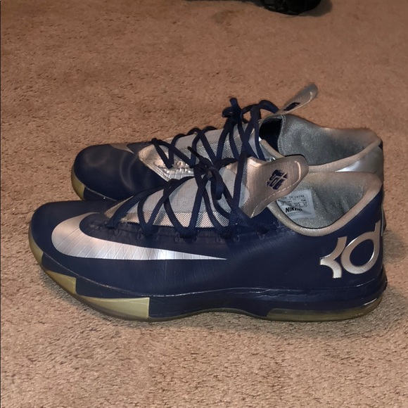 f667adaba761 Nike KD VI customized navy and silver. M 5b648c1910fc54a2a9a56d99